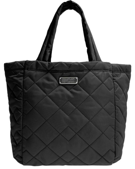 Preload https://img-static.tradesy.com/item/26031809/marc-jacobs-large-crosby-quilted-black-nylon-tote-0-2-540-540.jpg
