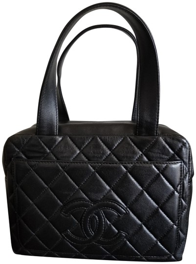 Preload https://img-static.tradesy.com/item/26031836/chanel-classic-handbag-mini-bag-black-calfskin-leather-tote-0-1-540-540.jpg