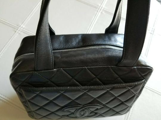 Chanel Tote in Black Image 3