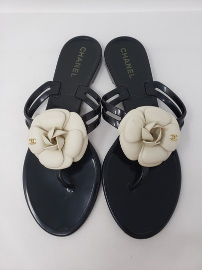 Chanel Jelly Camellia Interlocking Cc Gold Hardware Silver Hardware Black Sandals Image 2
