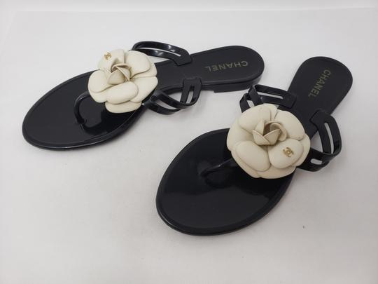 Chanel Jelly Camellia Interlocking Cc Gold Hardware Silver Hardware Black Sandals Image 3