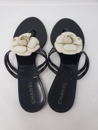 Chanel Jelly Camellia Interlocking Cc Gold Hardware Silver Hardware Black Sandals Image 8