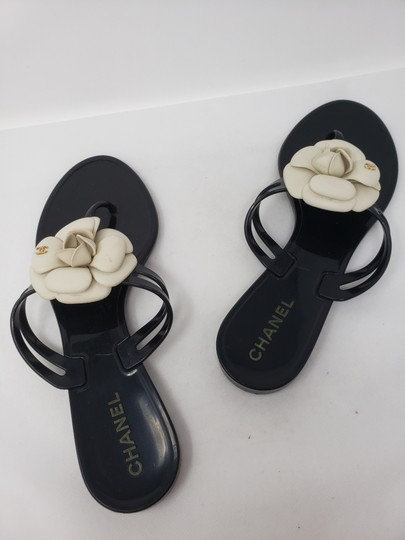 Chanel Jelly Camellia Interlocking Cc Gold Hardware Silver Hardware Black Sandals Image 9