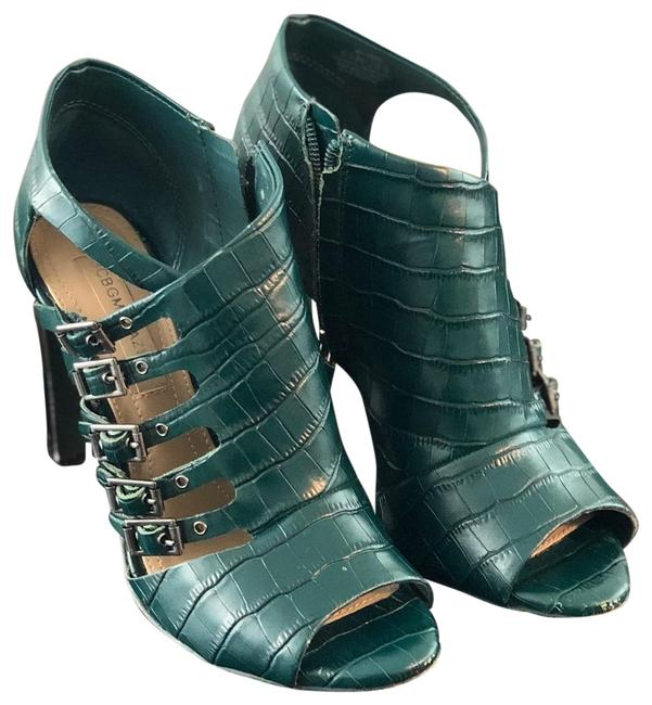 Item - Green Sandals Size US 6.5 Regular (M, B)