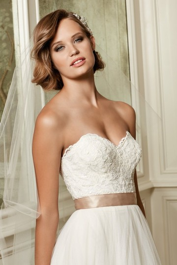 Wtoo Almond Soft Tulle and Lace Appliqué Agatha Modern Wedding Dress Size 18 (XL, Plus 0x) Image 2