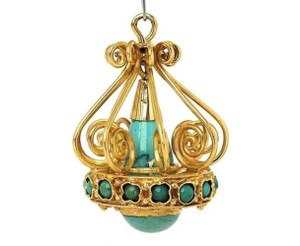 Modern Vintage Turquoise Chandelier 18k Yellow Gold Charm Pendant