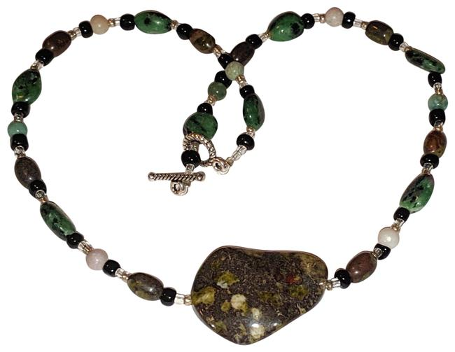 Item - Green Black Silver Gemstone Choker Length Jasper Necklace