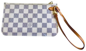 Louis Vuitton Wristlet in cream & navy