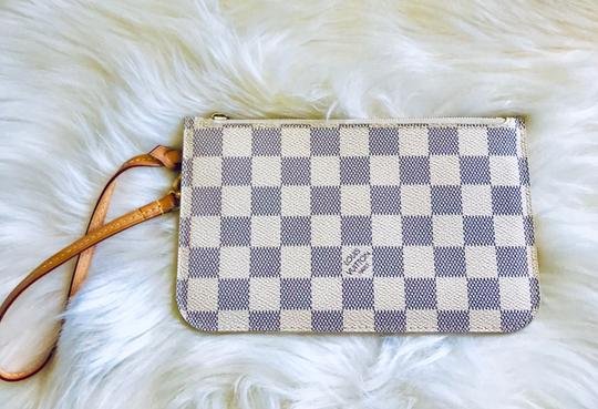 Louis Vuitton Wristlet in cream & navy Image 1
