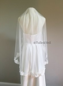 Ivory Short Lace with Sequins and Beads Bridal Veil
