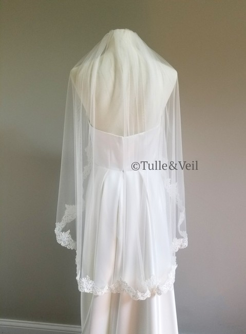 Item - Ivory Short Lace with Sequins and Beads Bridal Veil