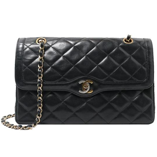 Preload https://img-static.tradesy.com/item/26039290/chanel-classic-flap-vintage-limited-edition-pairs-medium-black-lambskin-leather-shoulder-bag-0-0-540-540.jpg