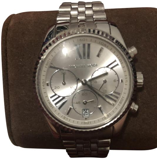 Preload https://img-static.tradesy.com/item/26039320/michael-kors-silver-tone-chronograph-women-watch-0-5-540-540.jpg