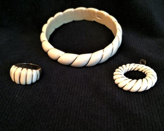 unknown PRE BAN Beautiful Ivory Wrapped in 14K GOLD. 3 Pc SET Image 1