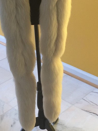Other Fox fur scarf Image 3