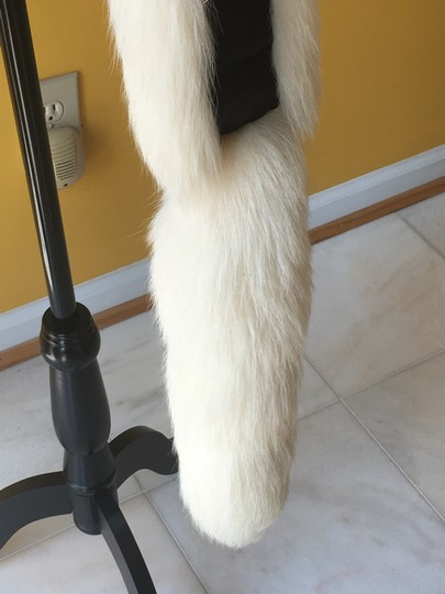 Other Fox fur scarf Image 5