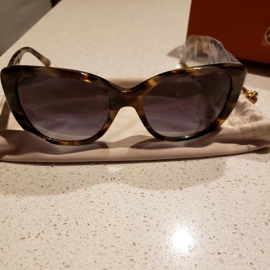 Preload https://item3.tradesy.com/images/tory-burch-green-and-brown-ty7114-sunglasses-26039657-0-3.jpg?width=440&height=440