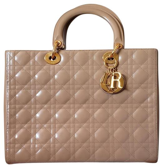Preload https://img-static.tradesy.com/item/26039911/dior-lady-large-purse-beige-patent-leather-tote-0-3-540-540.jpg
