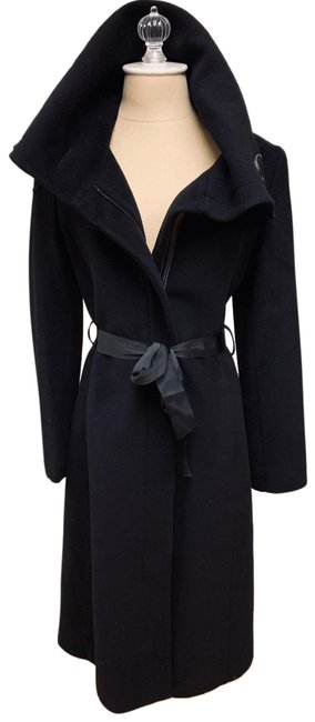 Preload https://img-static.tradesy.com/item/26040039/searle-black-cashmere-topcoat-in-with-leather-zipper-detail-coat-size-4-s-0-2-650-650.jpg