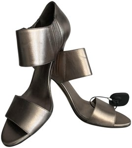 Gucci Leather Italy Metallic Silver Sandals
