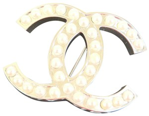 Chanel Auth CHANEL CC Imitation Pearl Pin Brooch Silver Plated