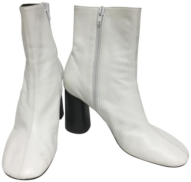Item - White Ankle with Zips Boots/Booties Size EU 38.5 (Approx. US 8.5) Regular (M, B)