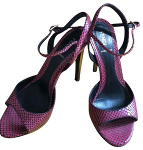 Fendi pink/black Platforms