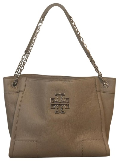Preload https://img-static.tradesy.com/item/26055242/tory-burch-britten-small-slouchy-tote-french-grey-leather-cross-body-bag-0-1-540-540.jpg