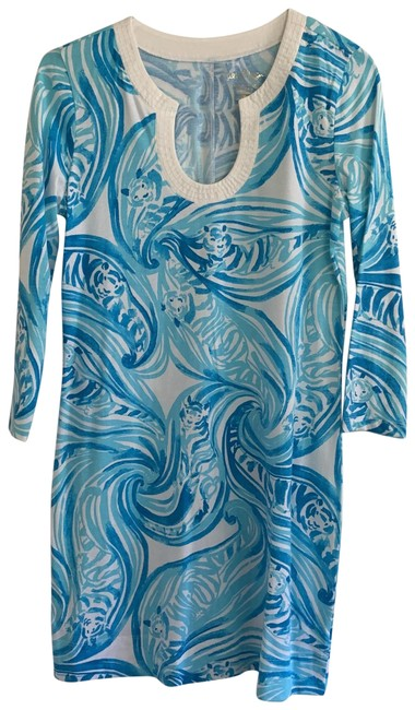Preload https://img-static.tradesy.com/item/26055316/lilly-pulitzer-blue-and-white-marlina-mid-length-short-casual-dress-size-8-m-0-1-650-650.jpg