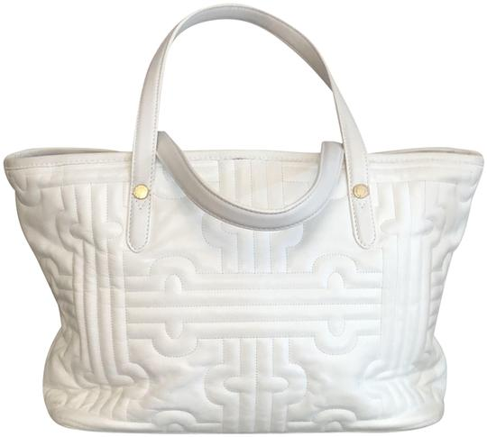 Preload https://img-static.tradesy.com/item/26055367/bvlgari-top-handle-bag-quilted-double-white-leather-satchel-0-1-540-540.jpg