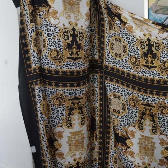 100% VERSACE PANEL FABRIC 64/64 INCH 100% SILK FOR SEWING DRESS Versace fabric panel 64/64 inch Image 7