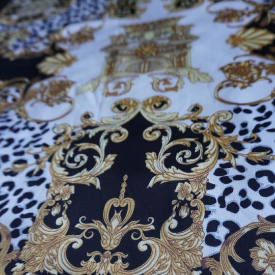 100% VERSACE PANEL FABRIC 64/64 INCH 100% SILK FOR SEWING DRESS Versace fabric panel 64/64 inch Image 8