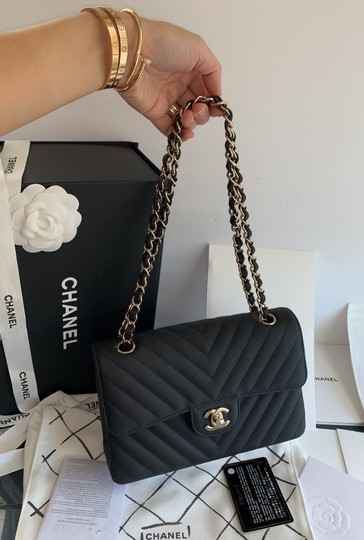 Chanel Shoulder Bag Image 12