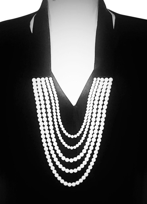 Item - White and Black Pearl Tuxedo Necklace