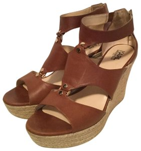 Karl Lagerfeld Pecan brown Wedges