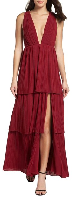Item - Burgundy The Callie Pleat Tiered Gown Long Formal Dress Size 10 (M)