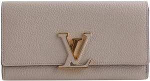 Louis Vuitton Louis Vuitton Taurillon Capucines Wallet