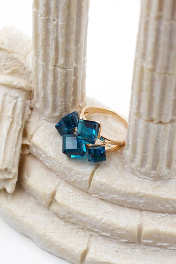 Ocean Fashion Noble blue square crystal ring Image 2