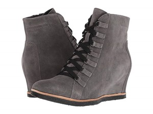 Earth Charcoal Grey Suede Boots