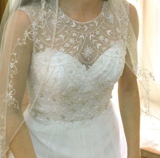 Alfred Angelo Excellent Condition Feminine Wedding Dress Size 4 (S) Image 5