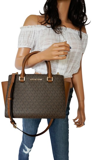 Preload https://img-static.tradesy.com/item/26059566/michael-kors-shoulder-bag-selma-medium-satchel-mk-brown-pvc-leather-tote-0-1-540-540.jpg