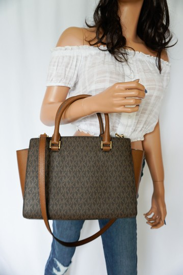 Michael Kors Tote in Brown Image 1