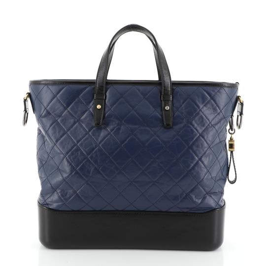 Chanel Tote in blue Image 3