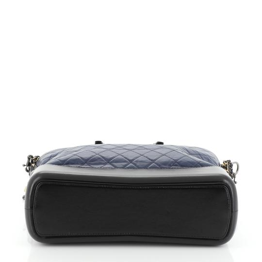 Chanel Tote in blue Image 4