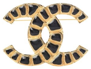 Chanel NEW Chanel Gripoix Poured Glass Brooch Pin Black Gold Metal CC Logo 20