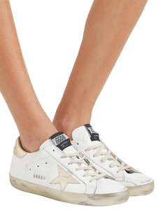 Golden Goose Deluxe Brand Star Sneakers Distressed White gold Athletic