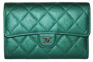 Chanel Chanel Green Quilted Caviar Leather Medium Classic Flap Wallet