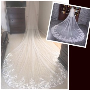 Long White Ivory 3-6m/10-19ft Lace Appliqué Edge Cathedral with Comb Bridal Veil