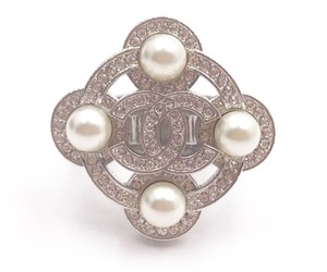 Chanel Chanel Silver CC Crystal Pearl Argyle Ring