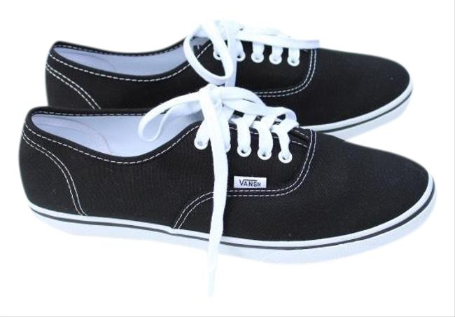 Item - Black Laced Up Sneakers Size US 10.5 Regular (M, B)